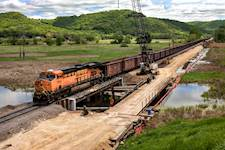 BNSF retained Hanson to manage the environmental permitting process for the LaCrosse (Wisconsin) double-track project.