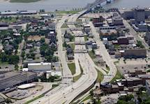 Hanson also provided design services for arterial roadways along I-74, redesigning the city arterial roadway system to accommodate motorists when the interstate closed for six months during construction.