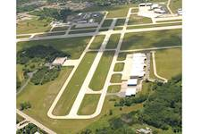 Hanson is assisting Waukegan National Airport with a master plan and environmental assessment.