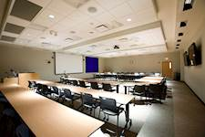 The multi-purpose meeting room on the first floor is designed to accommodate public programs and medical meetings.