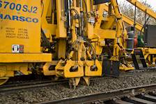 The Hanson team's design included converting a siding to a mainline and constructing more than 3 miles of new mainline track realigning 6,000 feet of mainline track, among other improvements.