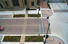 Hanson designed intersection crosswalks with pedestrian safety in mind, reducing crosswalk lengths while maintaining accessibility for vehicular traffic.
